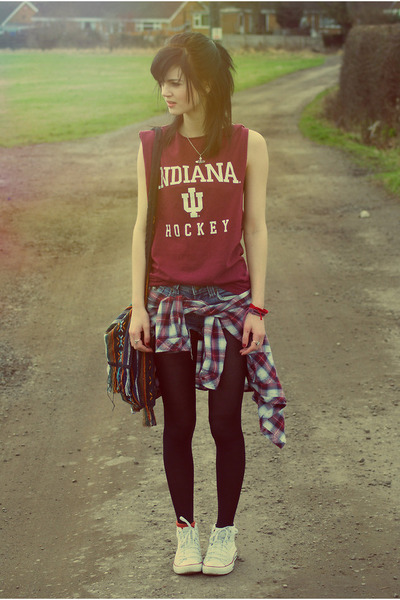 ruby red vintage shirt - blue DIY denim shorts - white Converse sneakers