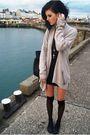 Black-miss-selfige-dress-beige-zara-cardigan-black-sfera-bag