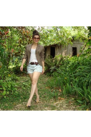 light brown blazer - navy shorts - white t-shirt