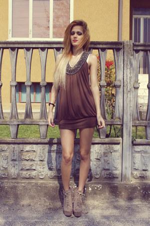 brown dress - tan boots