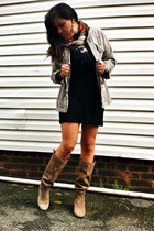 beige suede Vince Camuto boots - black knit Forever21 dress