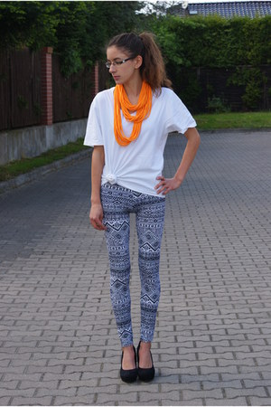 Milita Nikonorov necklace - new look leggings - second hand t-shirt - Merg heels