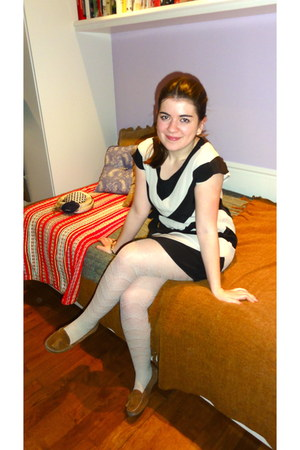 black  white kling dress - off white lace-y H&M tights - burnt orange suede leat