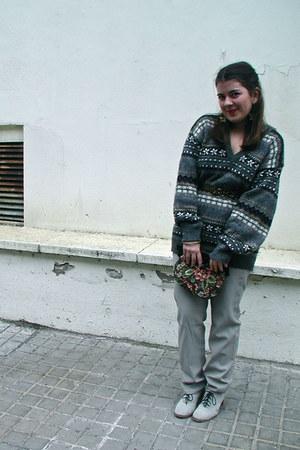 gray vintage jumper - silver Cooked jeans - camel Pepe Jeans belt - silver Corte
