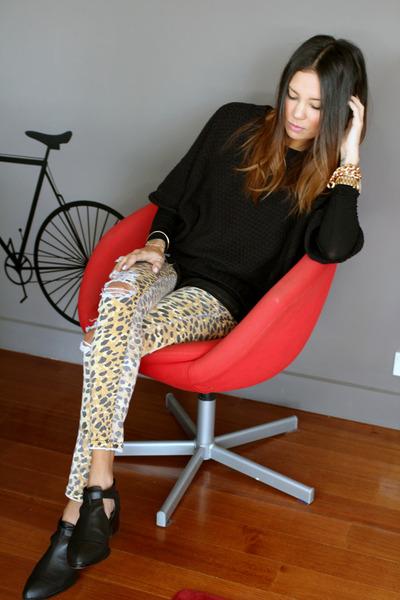 camel Mink Pink jeans - Senso boots - black Witchery jumper