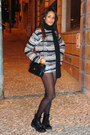 Black-patent-dr-martens-boots-black-chanel-bag