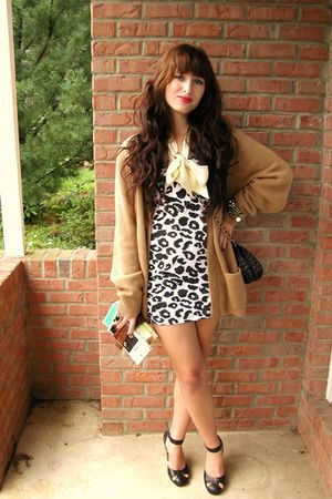 beige Alan Paine cardigan - black mary janes Forever 21 shoes