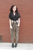 black Steve Madden shoes - dark brown Forever 21 pants - black thrifted top