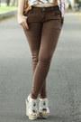 Tie-dye-top-dark-brown-skinny-jeans-heather-gray-charles-keith-wedges