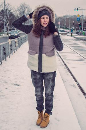 gray Pimkie jeans - mustard Benvenuti boots - dark gray New Yorker hat