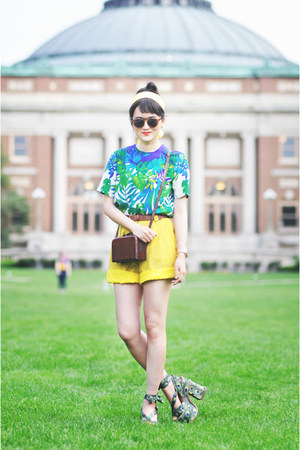 vintage shorts - vintage top - Jeffrey Campbell sandals