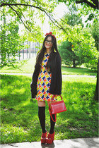 yellow geometric vintage dress - red vintage bag - black asoscom socks