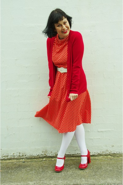 Vintage etsy dress - columbine tights - Wittner pumps - cotton on cardigan