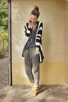 H&M cardigan - H&M top - Zara pants - Tamaris shoes - Vila accessories