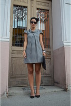 New Yorker dress - Stradivarius shoes