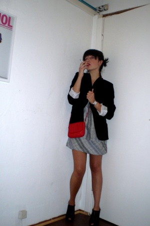 Zara blazer - Key te shoes - H&M dress - vintage purse
