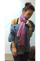 pink scarf - heather gray thrifted vintage sweater