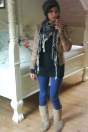 H&M Young - NewYorker scarf - Milla jacket - asos shirt - pieces - Ugg-a-like bo