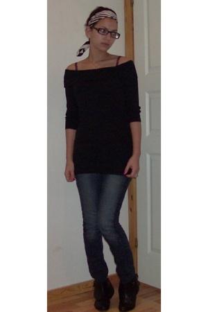 H&M scarf - asos shirt - Only jeans - karizma shoes - Tiger glasses