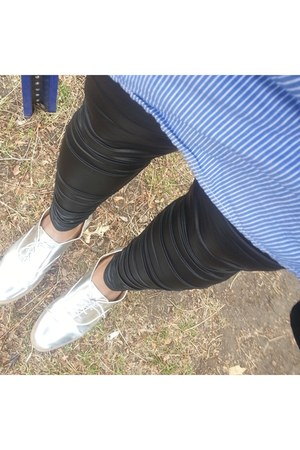 silver JustFab shoes - black liquid leggings leggings - blue tunic shirt