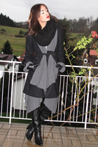 black coat - gray wilfred sweater - black boots - black H&M scarf