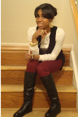 black Forever 21 boots - ivory H&M sweater - gold Forever 21 accessories