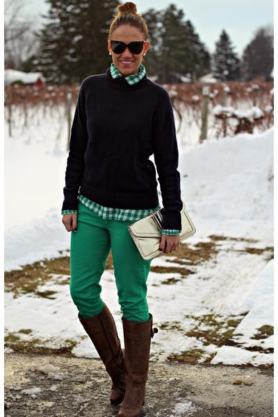 green Gap shirt