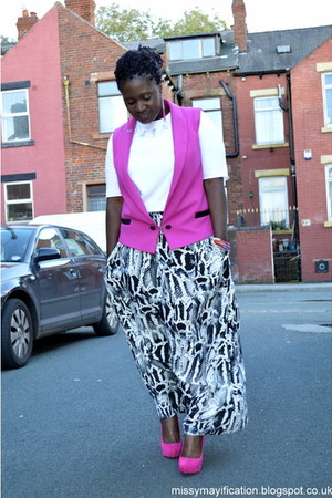 River Island vest - new look earrings - print George skirt - new look bracelet