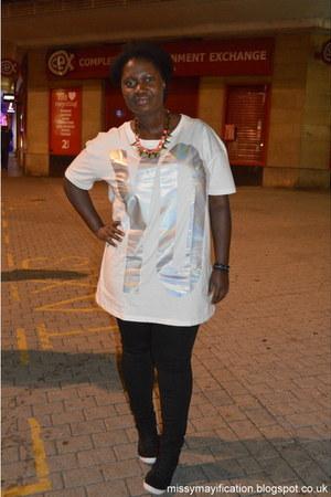 off white oversized H&M t-shirt
