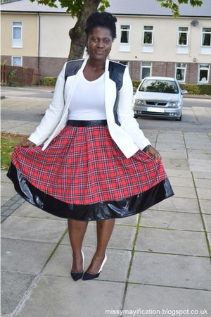 tartan Boohoo skirt - monochrome River Island blazer - Primark blouse