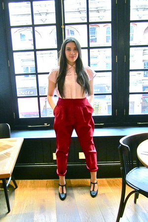 brick red vintage pants - pink vintage blouse - black Urban Outfitters wedges