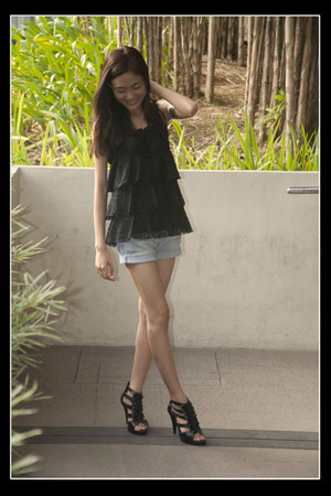 black intimate - periwinkle shorts - gold accessories - black Parisian heels