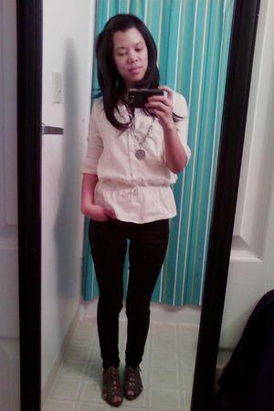 beige Old Navy top - black Wax jeans - gray Deena & Ozzy shoes