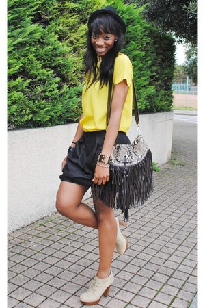 camel heels heels - crimson Clutch Zara bag - yellow Top Zara woman top