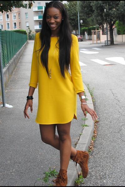 Yellow Dress Burnt Orange Minnetonka Flats