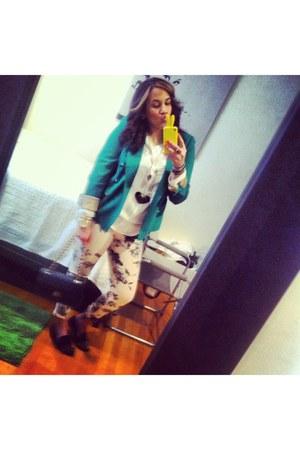 Zara blazer - J Brand jeans - Chanel bag - Steve Madden flats