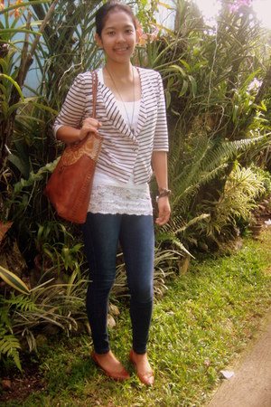 bag - jeans - cardigan - blouse - flats