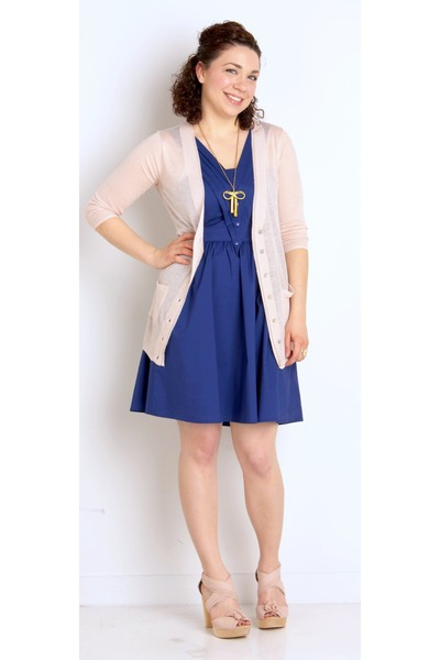 9d61e061036 blue modcloth dress - light pink modcloth sweater - light pink seychelles  modclo