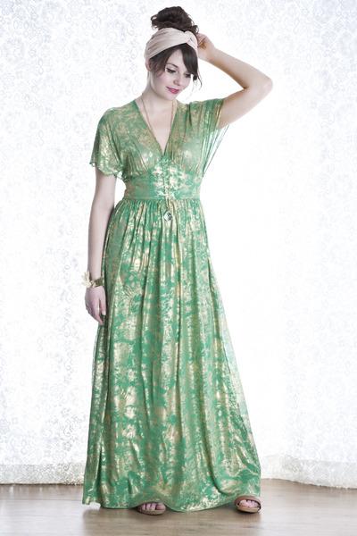 green modcloth dress - ivory modcloth scarf - gold modcloth bracelet - gold modc