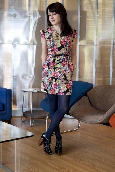 f53257d020d7a black modcloth dress - navy modcloth tights - black modcloth heels - gold  modclo