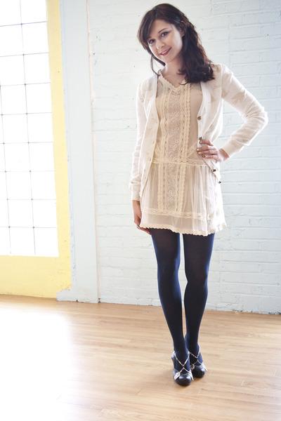 17d54386a5073 cream modcloth dress - navy modcloth tights - black modcloth heels - off  white n
