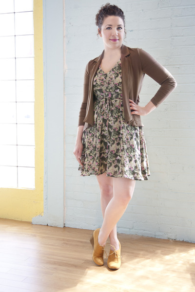 tan modcloth dress - brown modcloth cardigan - mustard modcloth wedges