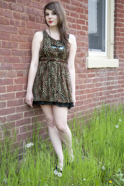 brown modcloth dress - black modcloth flats - black modcloth necklace