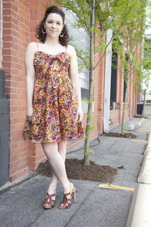 amethyst modcloth dress - yellow modcloth heels