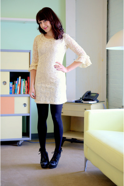 eggshell modcloth dress - black modcloth tights - black modcloth heels