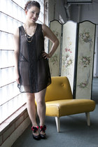 black modcloth dress - black modcloth heels