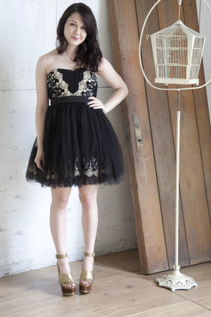 black modcloth dress - gold modcloth wedges