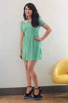 aquamarine modcloth dress - black modcloth heels
