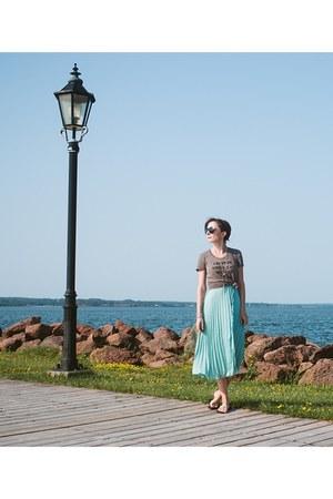 light brown tee shirt skyline fever shirt - aquamarine pleated Ruche dress