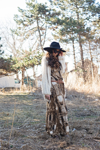 brown Mink Pink dress - black floppy fedora UO hat